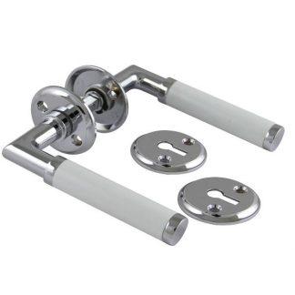 Dörrhandtag krom/vit med nyckelskylt Millers
